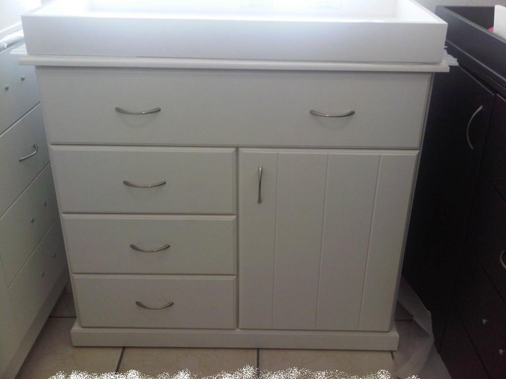 Chest of Drawers with 4 drawers and 1 door