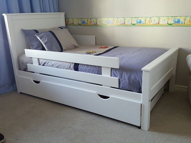 Closed Slatted Single Bed