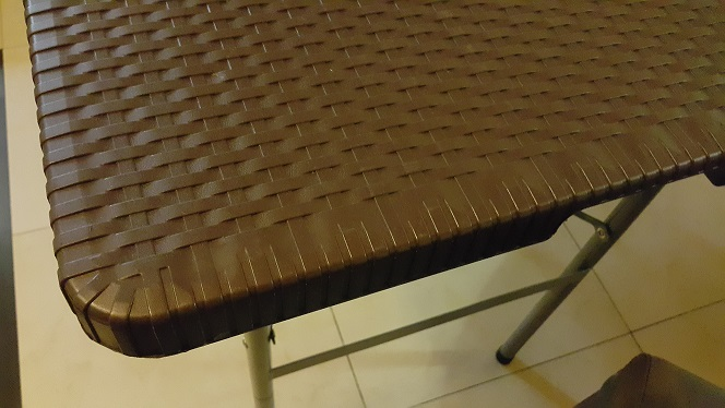 Close Up Picture of Trestle Fold Up Rattan Tables