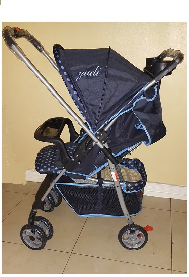 Compact Reversible Polka Dot Blue Prams
