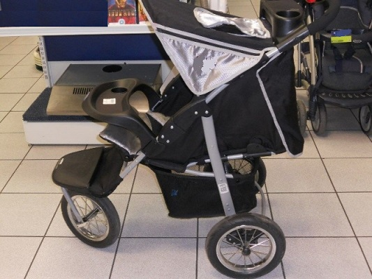 Platinum 3 wheeler Jogger Baby Pram in Black and Silver