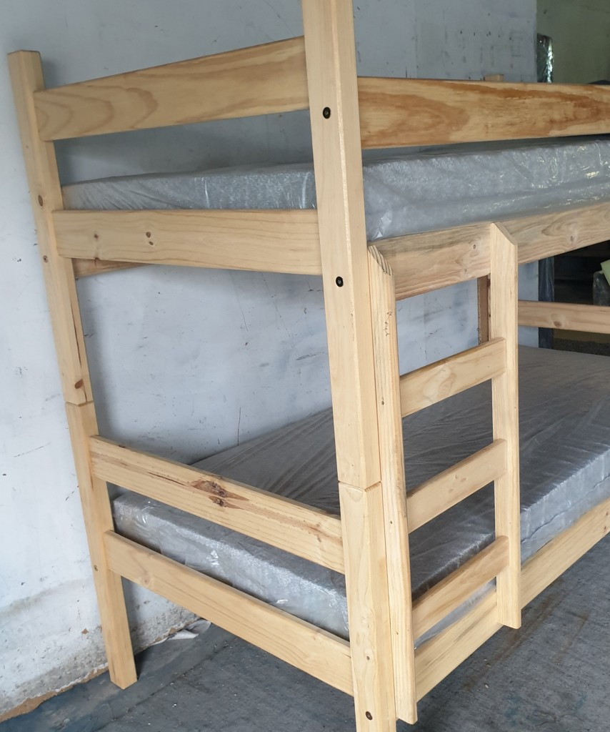 Standard Bunk Bed In Between Ladder and Long Safety Rail