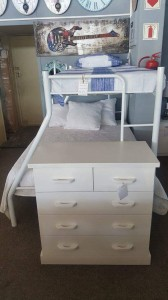 Tri bunk bed in white