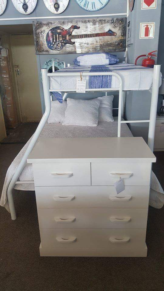 Tri bunk bed in white