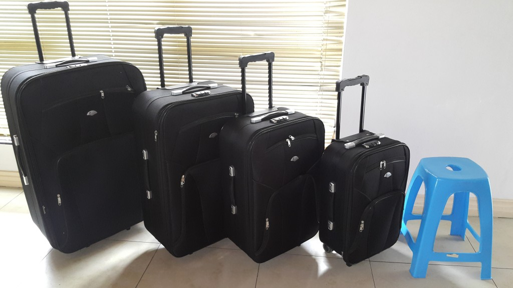 Exclusive Extra Large Travel Set with Stunning Two Tone Finish Excluding Steel Corners